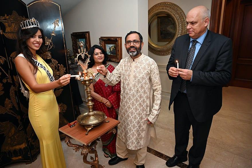 Ambassador-of-India-Host-Diwali-Celebration-10