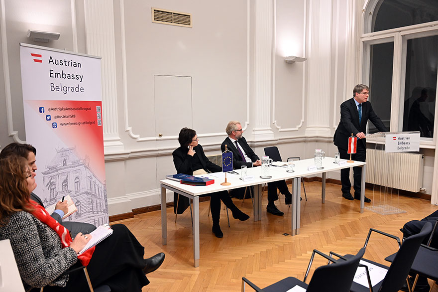 Austrian-Embassy-Hosts-Archeology-Lecture-6