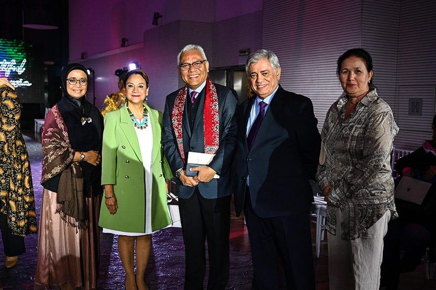 Embassy-of-Indonesia-Host-Batik-Fashion-Show-2019-8