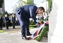 Jean-Yves Le Drian and Ivica Dačić laid wreaths at the French army cemetery