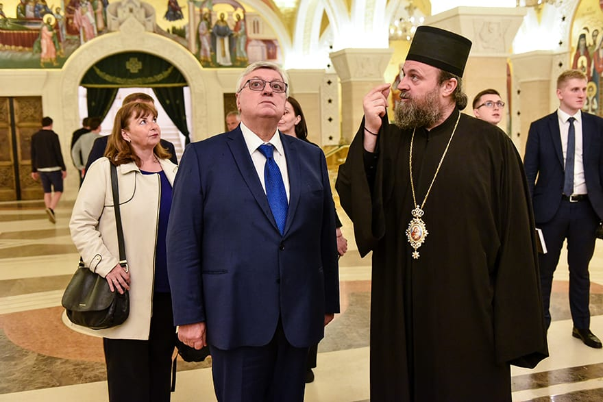 Rector-of-the-Moscow-State-Institute-of-International-Relations-visits-St-Sava-Temple-3