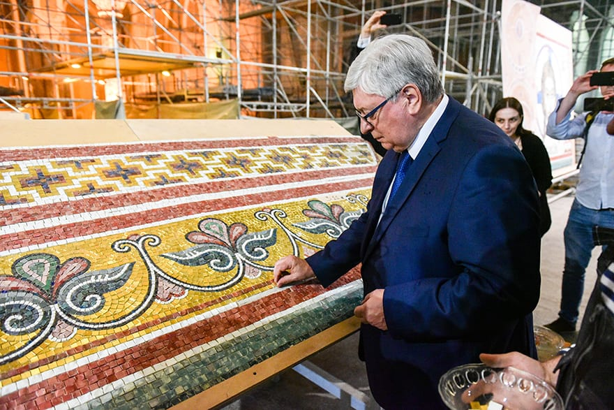 Rector-of-the-Moscow-State-Institute-of-International-Relations-visits-St-Sava-Temple-6