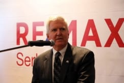 US Ambassador Kyle Scott and Minister Đorđević at the opening of the RE/MAX Serbia