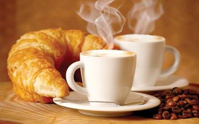 Tipičan francuski doručak