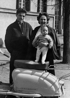 SRDJAN WITH MATHER LJILJANA AND FATHER RADOMIR ŠAPER