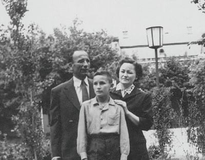 DUŠAN with mother and father
