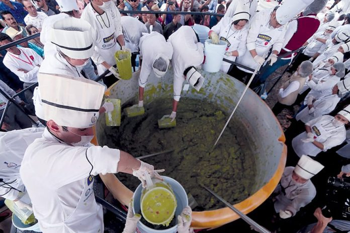 Guadalajara Make 3-Tonne Guacamole