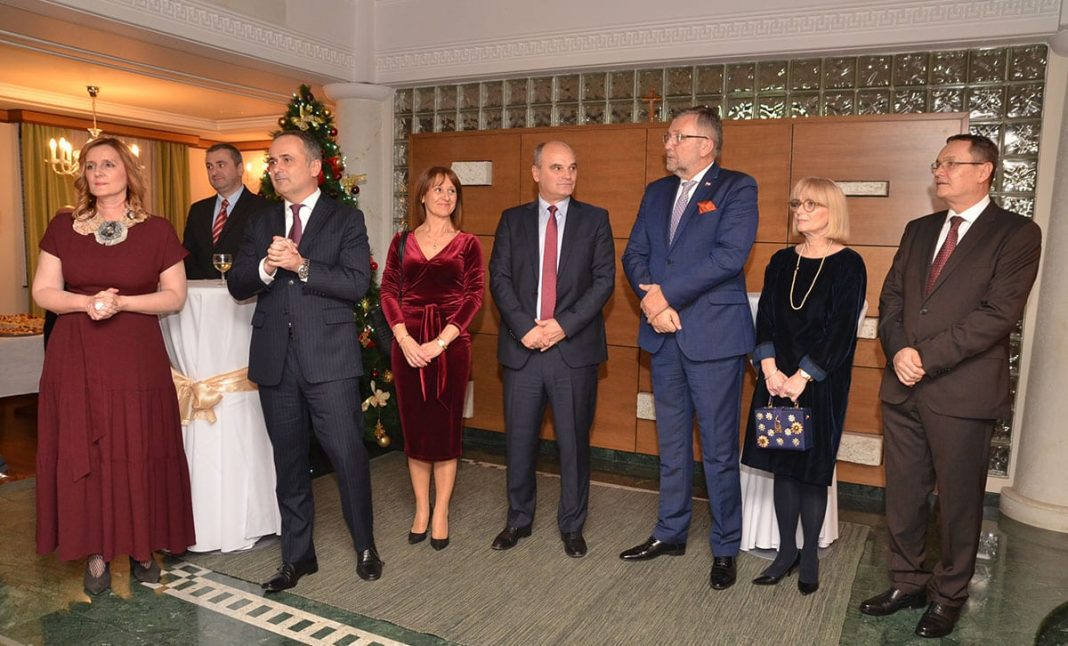 Ambassador Gordan Bakota Hosts New Year's Reception