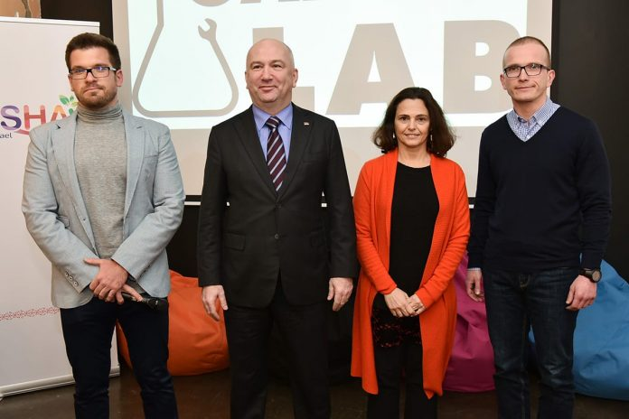 Israel Supports One Of The First IoT Laboratories In Serbia Alona Fisher Kamm Nenad Popovic
