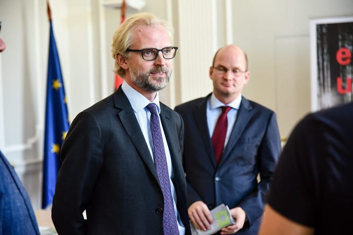 Ambassador Nikolaus Lutterotti promotes arts fair Vienna Contemporary