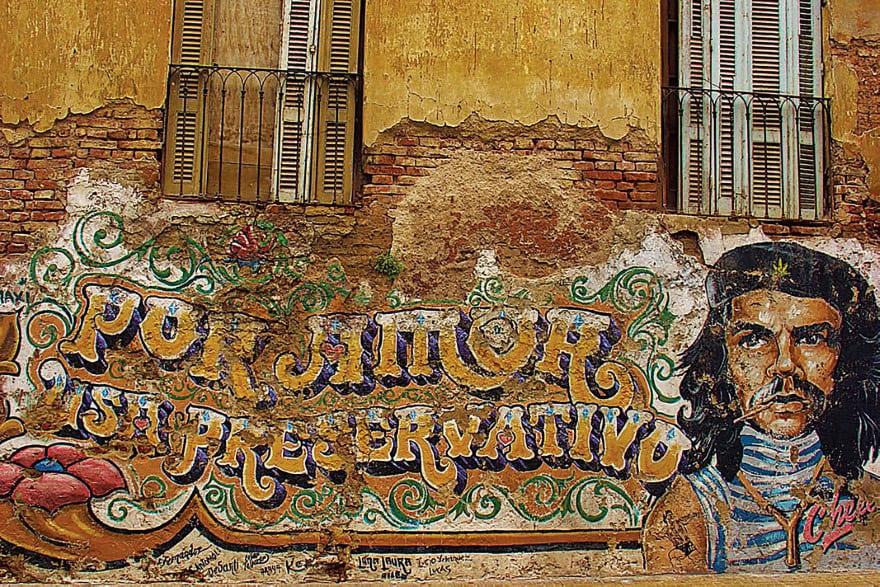 Buenos Aires Street Art Che Gevara Mural in San Telmo