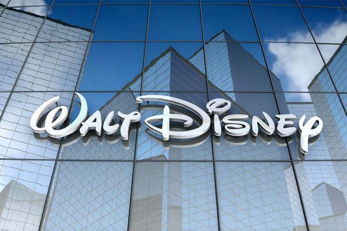 """""""Disney"""" accused for underpays female employees"""