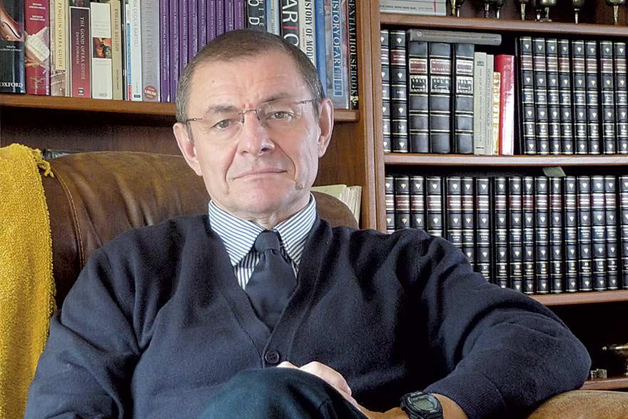Nebojša Katić, Economist