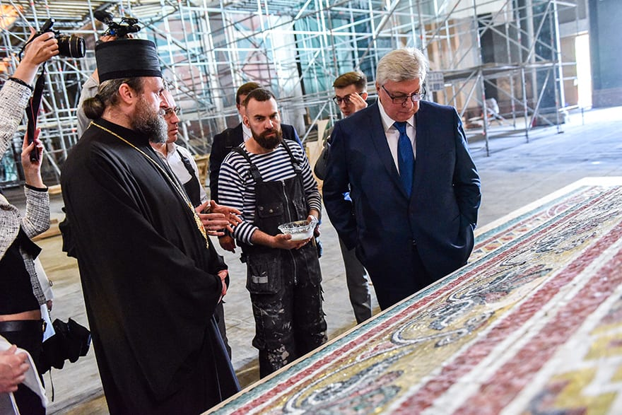Rector of the Moscow State Institute of International Relations visits Church of Saint Sava