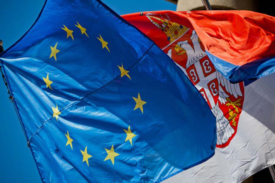 EU Serbia flags Key findings of the EU 2016 Report on Serbia