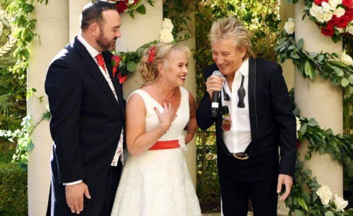 Rod Stewart Las Vegas wedding singer