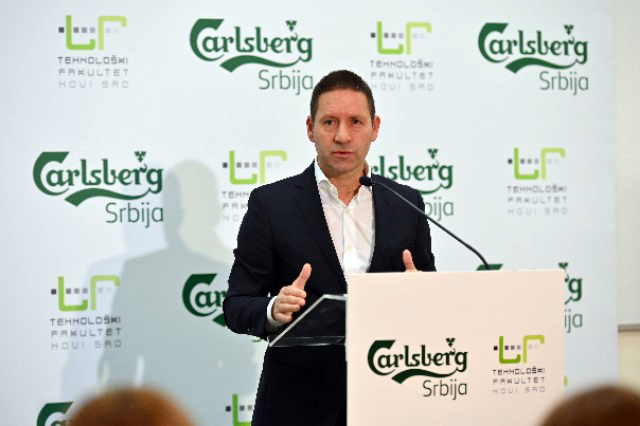 Carlsberg Serbia donates to the Faculty of Technology in Novi Sad Vladimir Vava