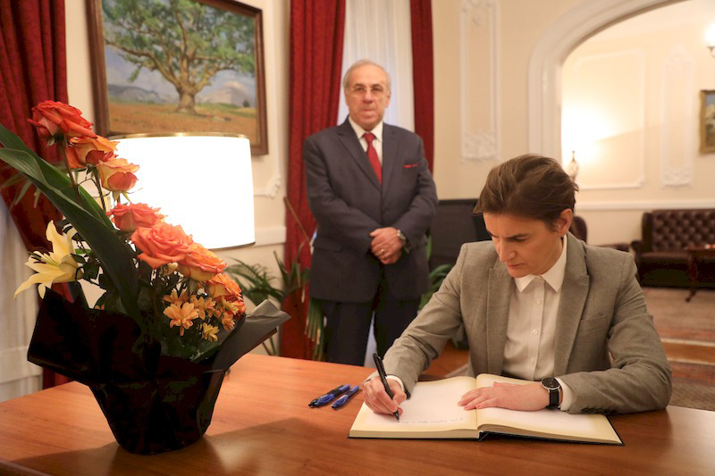 Brnabic signs book of mourning at Albanian Embassy