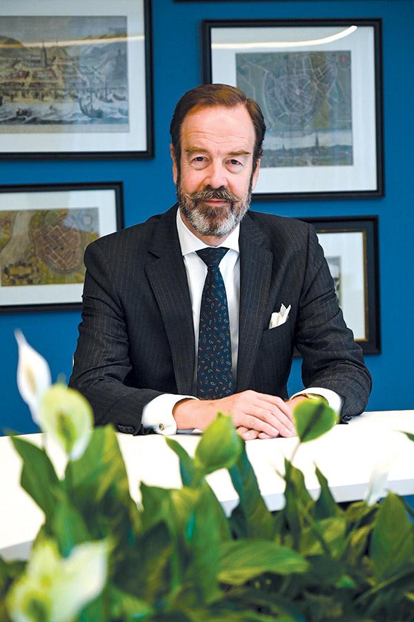 Gilles Arnout Beschoor Plug