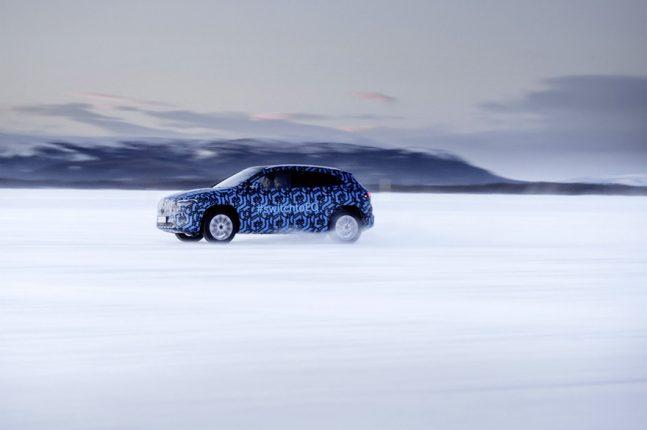 Mercedes-Benz teases EQA electric car (3)