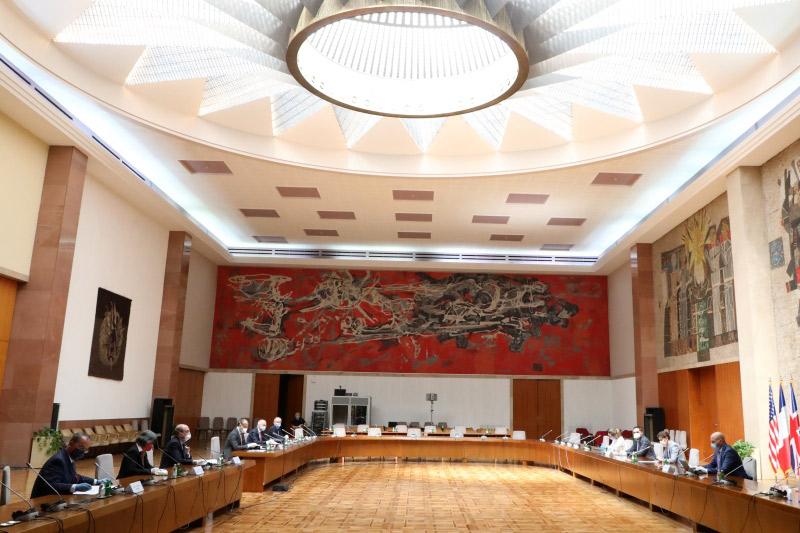 Quint Ambassadors Commend Serbia's Response to Coronavirus