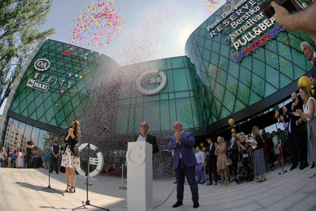 BEO Shopping Center Opens The Size Of 20 Football Fields